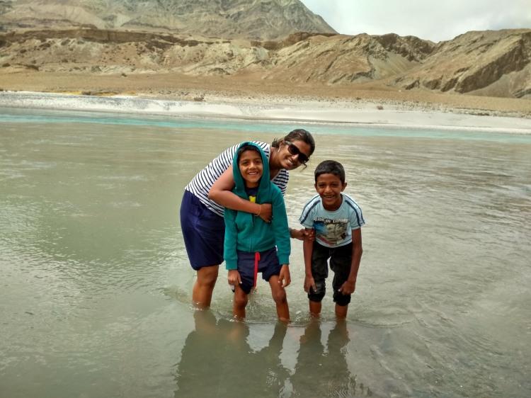 Dip in the Indus