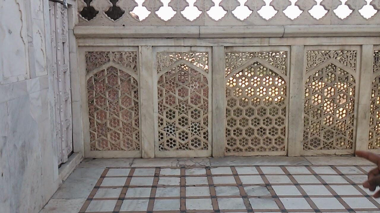 Jali Agra Fort.jpg